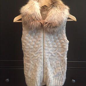 Fur collar knit vest